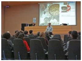 Joe Lambert speaks at the Relato Digital Storytelling Conference in Valencia, Spain.